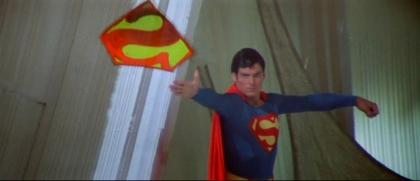 Superman2ThrowingShield