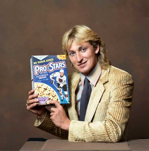 Wayne-Gretzky-promoting-Pro-Stars-cereals.
